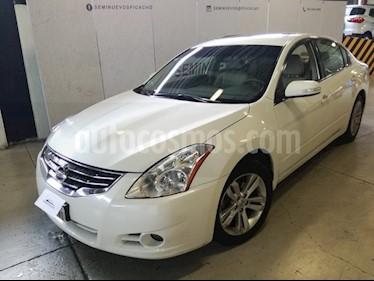 Foto venta Auto Usado Nissan Altima SR 3.5L CVT (2011) color Blanco precio $159,900