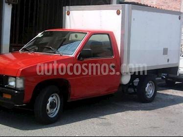 Foto venta Auto Seminuevo Nissan Estacas Largo TM5 (2004) color Rojo precio $32,500