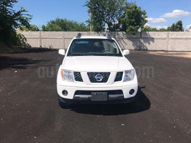 Foto venta Auto Seminuevo Nissan Frontier LE 2.4L 4x4 (2014) color Blanco precio $290,000