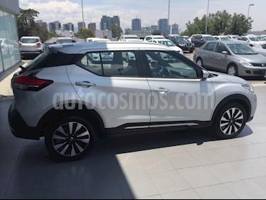 Foto venta Auto Usado Nissan Kicks Advance Aut (2017) color Plata precio $259,000