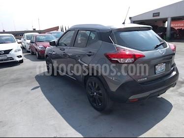 Foto venta Auto Seminuevo Nissan Kicks Advance Aut (2018) color Gris precio $330,000