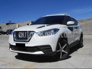 Foto venta Auto Seminuevo Nissan Kicks Sense (2017) color Blanco Perla precio $248,000