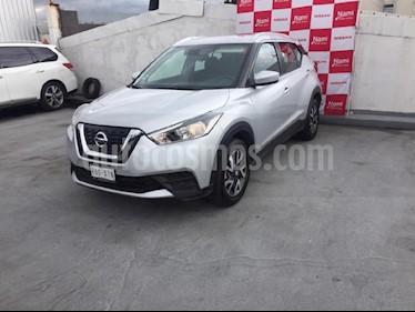 Foto venta Auto Seminuevo Nissan Kicks Sense (2018) color Plata precio $245,000