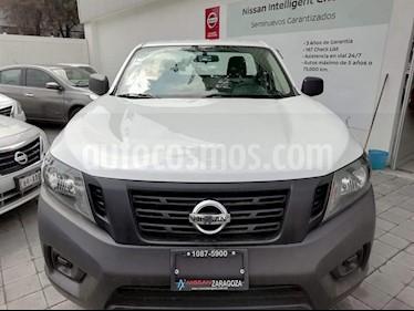 Foto venta Auto Seminuevo Nissan NP300 2.4L Chasis  (2018) color Blanco precio $255,000