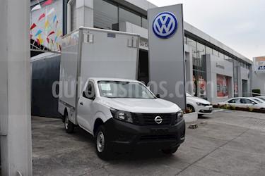 Foto venta Auto Seminuevo Nissan NP300 2.4L Chasis  (2018) color Blanco precio $299,000