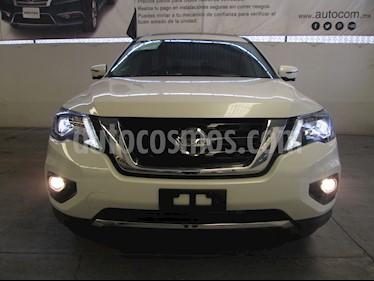 Foto venta Auto Seminuevo Nissan Pathfinder Exclusive 4x4 (2017) color Blanco Alaska precio $600,000