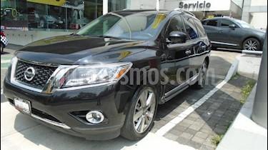 Foto venta Auto Seminuevo Nissan Pathfinder Exclusive (2015) color Negro precio $390,000
