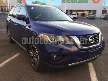 Foto venta Auto Seminuevo Nissan Pathfinder Exclusive (2017) color Azul precio $590,000