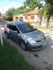 foto Nissan Tiida Hatchback Tekna usado (2008) color Plata Metalizado precio $160.000