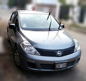 Nissan Tiida Sedan SE 1.6L Aut usado (2011) color Gris Metalico precio u$s9,000