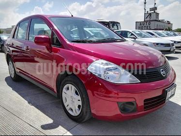 Foto venta Auto Seminuevo Nissan Tiida Sedan Sense Aut (2016) color Rojo Burdeos precio $159,000