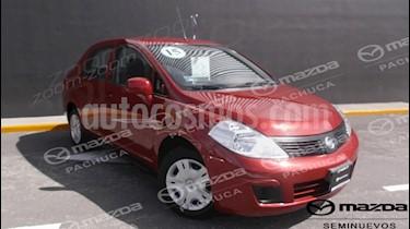 Foto venta Auto Seminuevo Nissan Tiida Sedan Sense (2015) color Rojo Burdeos precio $132,000