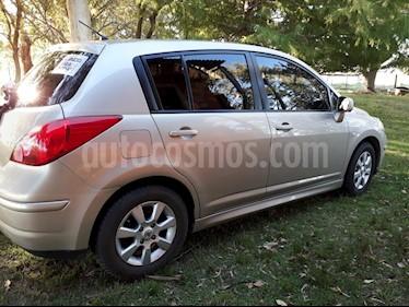 Foto venta Auto usado Nissan Tiida Acenta (2012) color Arena Dorada precio $200.000