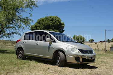 Foto venta Auto Usado Nissan Tiida Visia (2009) color Bronce precio $155.000