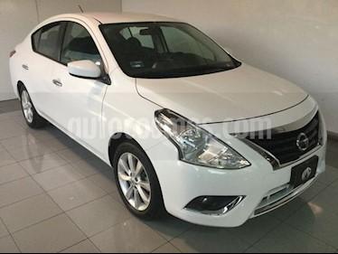 Foto venta Auto Seminuevo Nissan Versa ADVANCE AT (2017) color Blanco precio $210,000