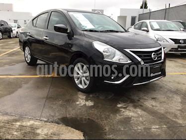 Foto venta Auto Seminuevo Nissan Versa Advance Aut (2018) color Negro precio $223,000