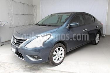 Foto venta Auto Seminuevo Nissan Versa Advance Aut (2017) color Azul precio $190,000
