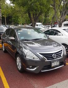 Foto venta Auto usado Nissan Versa Advance (2017) color Gris Oscuro precio $180,000