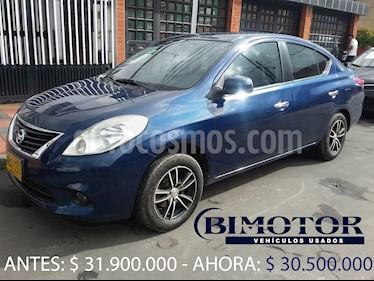 Nissan Versa Advance usado (2013) color Azul precio $30.500.000