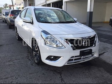 Foto venta Auto Seminuevo Nissan Versa EXCLUSIVE AT (2018) color Blanco precio $220,000