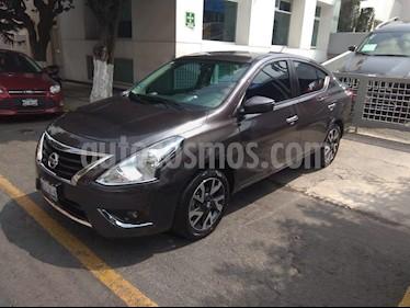 Foto venta Auto Seminuevo Nissan Versa Exclusive Aut (2017) color Gris precio $219,900