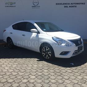 Foto venta Auto Seminuevo Nissan Versa Exclusive NAVI Aut (2018) color Blanco precio $229,000