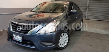 Foto venta Auto Seminuevo Nissan Versa Sense Aut (2017) color Azul precio $179,900