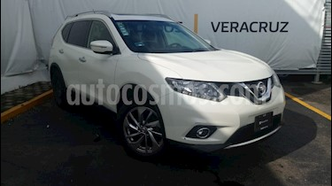 Foto venta Auto Seminuevo Nissan X-Trail Advance 2 Row (2016) color Blanco