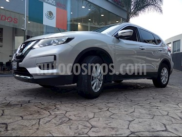 Foto venta Auto Seminuevo Nissan X-Trail Sense (2018) color Plata precio $345,000