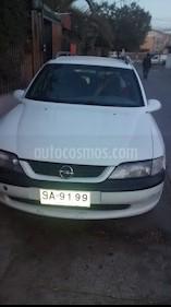 Opel Vectra 1.8 usado (1998) color Blanco precio $1.400.000