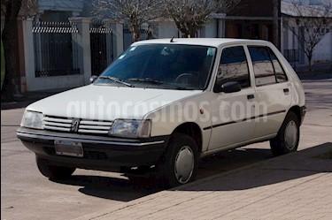Foto venta Auto usado Peugeot 205 Junior (1999) color Blanco precio $72.000