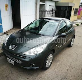 Peugeot 207 Compact 1.4 HDi XT 5P usado (2011) color Verde precio $630.000