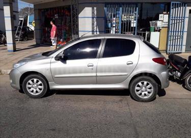 Foto venta Auto Usado Peugeot 207 Compact 1.4 XS 5P (2011) color Gris Claro precio $140.000