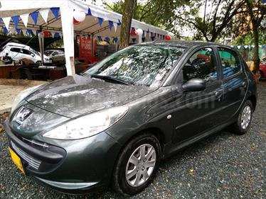 Peugeot 207 Compact 1.4L usado (2011) color Gris precio $23.000.000