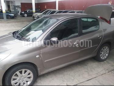 foto Peugeot 207 Compact 2.0 HDi XT 4P