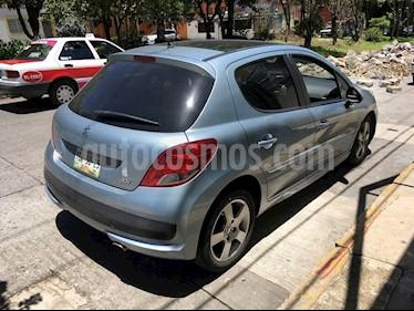 Foto venta Auto Seminuevo Peugeot 207 5P Feline Personal (2012) color Azul Inari precio $98,000