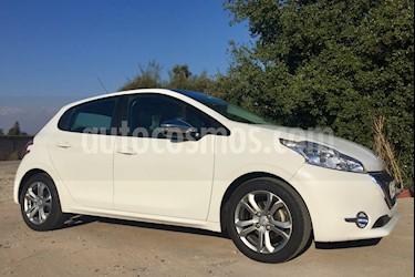 Foto venta Auto Usado Peugeot 208 1.4L Active HDi 5p (2014) color Blanco Banquise precio $7.450.000