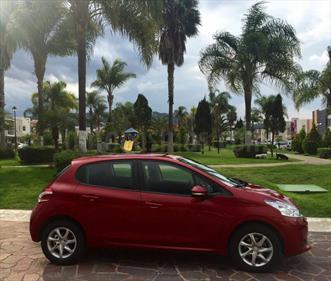 Foto venta Auto Usado Peugeot 208 1.6L Allure (2015) color Rojo Rubi precio $140,000