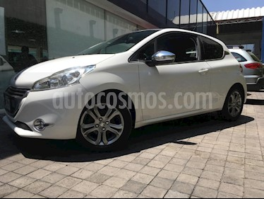 Foto venta Auto Usado Peugeot 208 1.6L Feline 3P NAV (2015) color Blanco precio $179,000