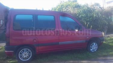 Foto venta Auto Usado Peugeot Partner Patagonica 1.6 (2001) color Bordo precio $130.000