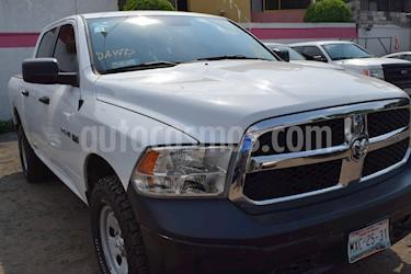 Foto venta Auto Seminuevo RAM RAM SLT Crew Cab 5.7L 4x2  (2016) color Blanco precio $345,001