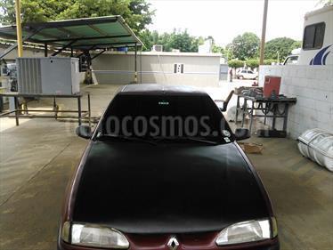 Foto venta carro usado Renault 19 1.8 - RT L4 1.8i (2001) color Rojo Aden precio u$s14.500.000