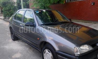 Foto venta Auto Usado Renault 19 Tric RN 1.6 (1996) color Gris precio $57.000