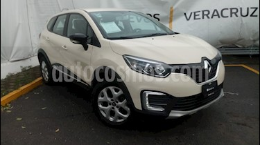 Foto venta Auto Seminuevo Renault Captur Intens (2018) color Beige