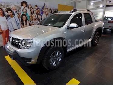 Foto venta Auto Usado Renault Duster Oroch Outsider Plus 2.0 (2018) color Gris Claro precio $654.600