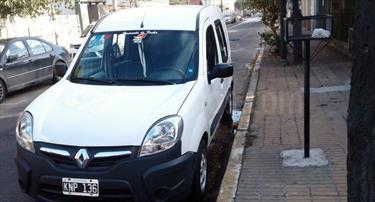 Foto venta Auto Usado Renault Kangoo 2 Express 1.6 Confort (2011) color Blanco Glaciar precio $170.000