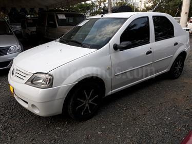 Renault Logan 1.6 Expression AA Mec 4P usado (2009) color Blanco precio $18.000.000