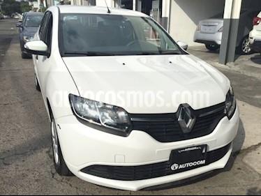 Foto venta Auto Seminuevo Renault Logan EXPRESSION TA (2017) color Blanco precio $110,000