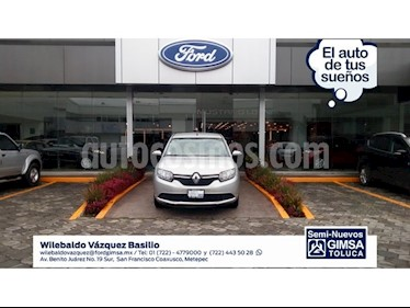 Foto venta Auto Seminuevo Renault Logan Expression (2017) color Plata precio $129,000
