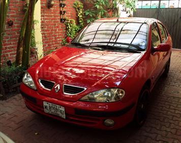 Foto venta Auto usado Renault Megane 2.0L 4P Fireway (2003) color Rojo Cerezo precio $50,000